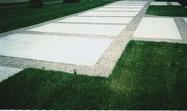 exposed aggregate borders driveway